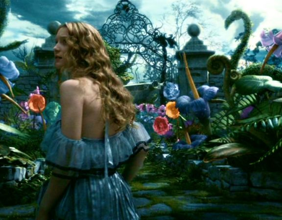 tim-burton-regia-di-alice-in-wonderland-2010